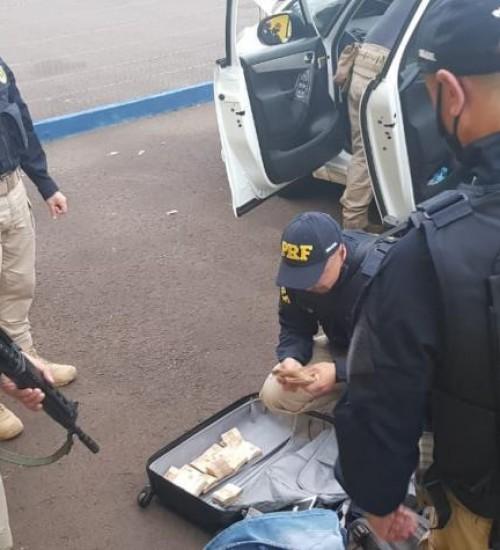 Polícia prende 9 suspeitos de participação no roubo a banco em Criciúma.