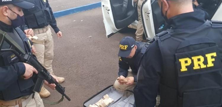 Cinco suspeitos de envolvimento em assalto a banco em Criciúma são presos no RS.