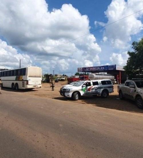 Polícia Militar realiza ações de vistoria de veículos na Fronteira na Operação Veraneio.