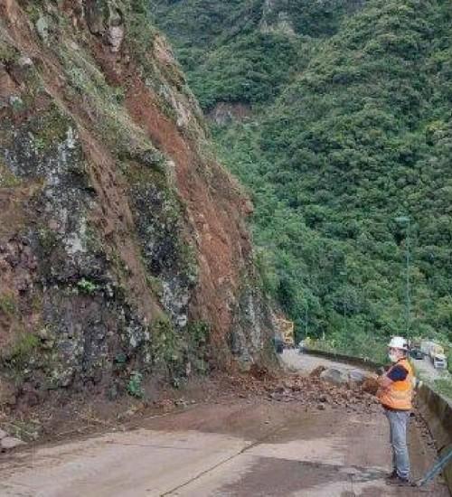 Serra do Rio do Rastro está temporariamente interditada para obras de contenção.