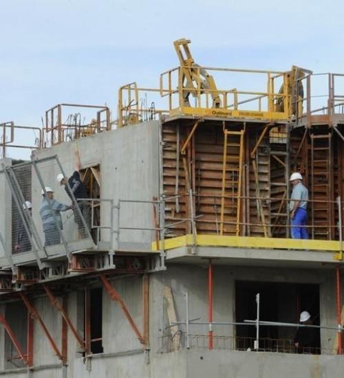 Aumento no preço de insumos para construção civil preocupa o setor.