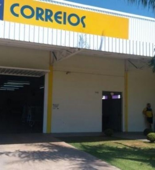 Bolsonaro entrega ao Congresso projeto de privatização dos Correios.