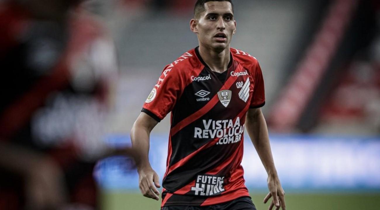 Chapecoense acerta com o meia Ravanelli para sequência de 2021