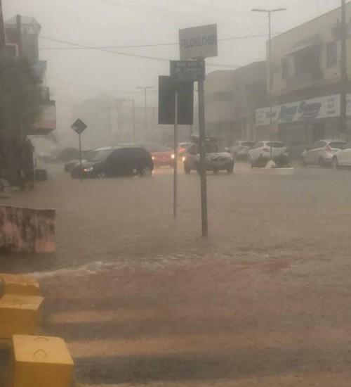 Chuva causa alagamentos em alguns pontos da cidade em Palmitos