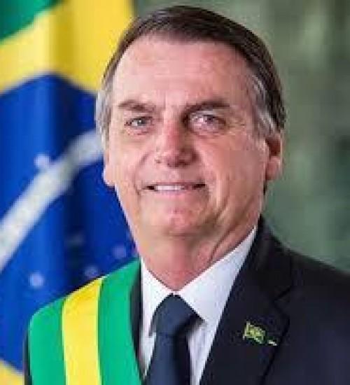 """Devido a Covid-19, Bolsonaro pede para o Ministro da Saúde """"atenção máxima"""" a Chapecó."""