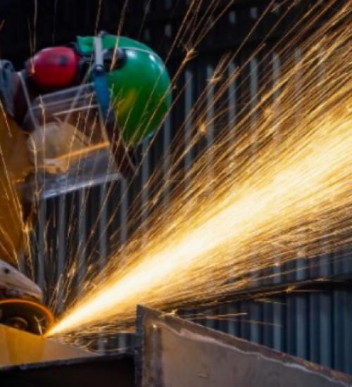 Indústria catarinense registra terceira maior alta do país em dezembro, aponta IBGE.