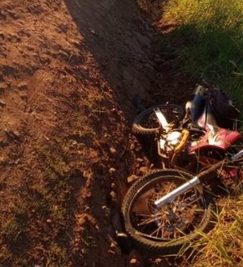 Motociclista fica ferido em colisão com caminhão em Tunápolis