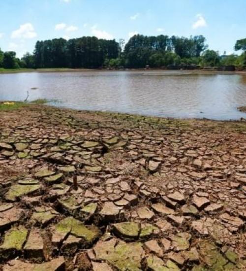 Cidades do Oeste de SC estão em alerta devido à falta de chuva.
