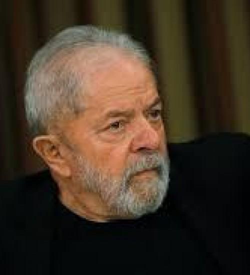 Juiz de Curitiba mantém bloqueio de bens de Lula ao mandar processos da Lava Jato para o DF