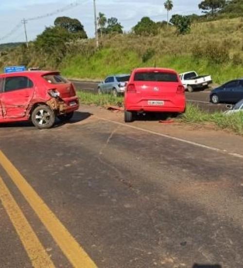 Acidentes nas rodovias estaduais do Oeste deixam quatro pessoas feridas.