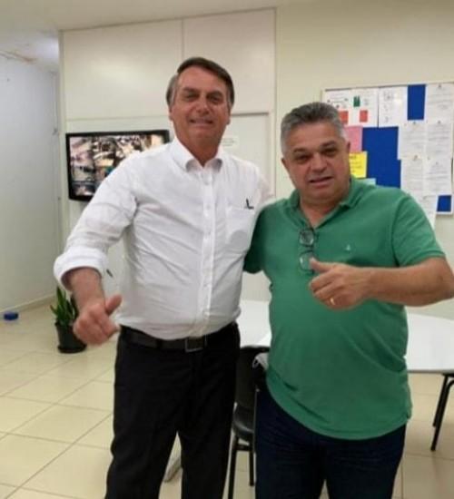 Bolsonaro vai a Chapecó conhecer o vitorioso Plano do município contra Covid-19.