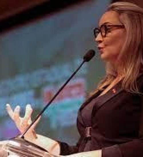 Daniela Reinehr determina força máxima para buscar e reaver os R$ 33 milhões aos cofres públicos.