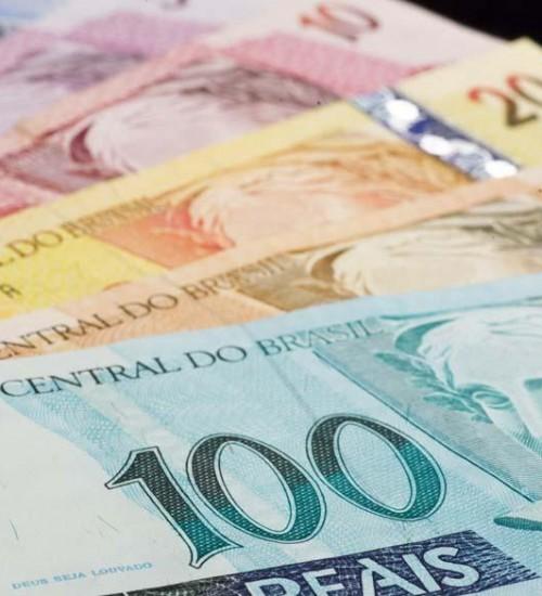 Governo propõe salário mínimo de R$ 1.147 para 2022.