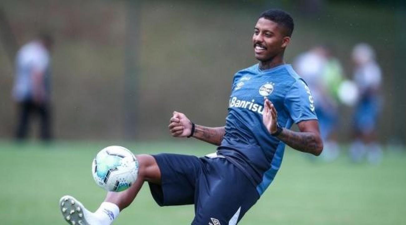 Jean Pyerre e Pepê treinam e devem reforçar o Grêmio contra o Del Valle.