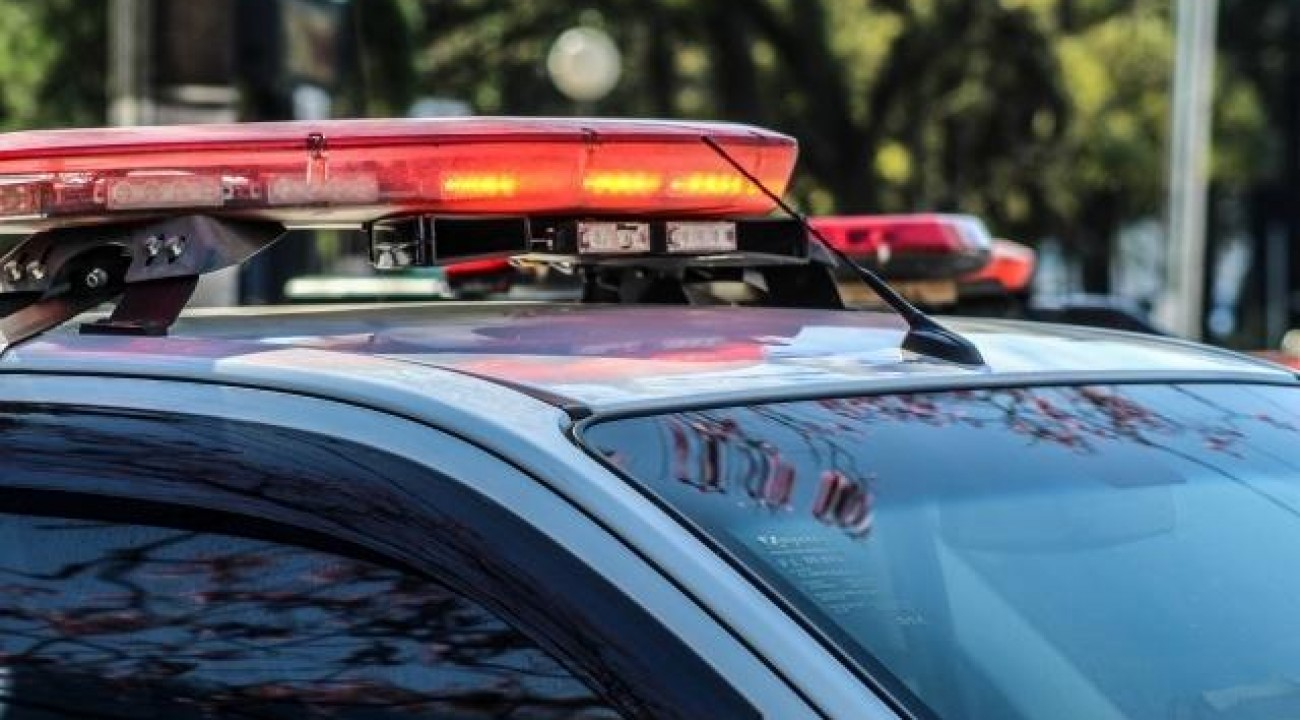 Mulher é presa após tentar matar o ex-companheiro a facadas em SMOeste.