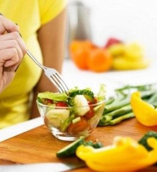Nutricionista orienta sobre a alimentação nutritiva para recuperação da Covid-19.