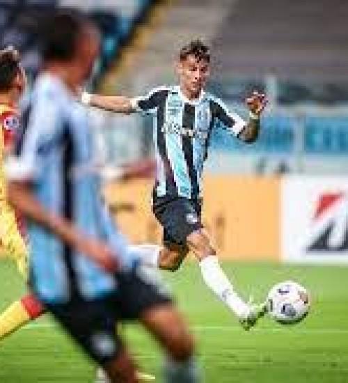 Grêmio enfrenta o Lanús para encaminhar classificação na Sul-Americana.