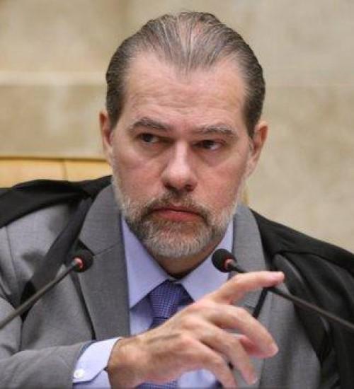 PF pede ao STF para abrir inquérito sobre suspeita de pagamentos a Toffoli por venda de decisões, diz jornal.
