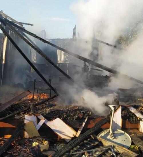 Suspeito de matar casal e duas crianças e incendiar casa é preso pela Polícia Civil.