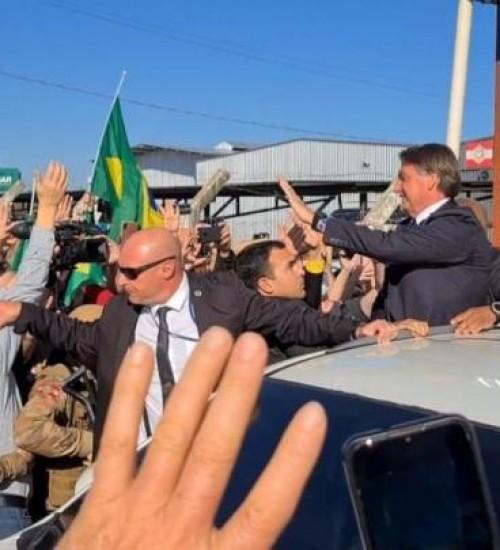 Bolsonaro visita Chapecó, no Oeste de SC.