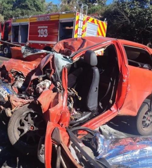 Duas mulheres morrem em acidente na BR-282 em Nova Erechim.