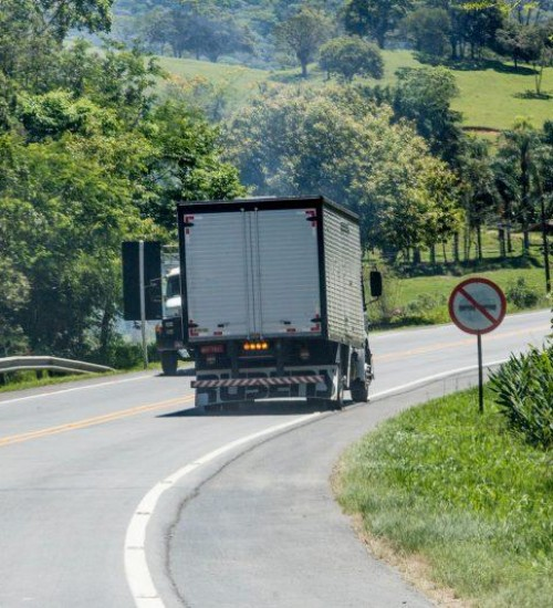 Duplicação da BR-282 em SC é abordada em reunião com parlamentares de Brasília.
