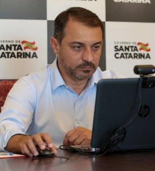Governador de Santa Catarina cumpre agenda no Oeste nesta sexta-feira.