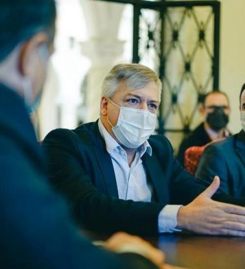 Governador de SC garante que irá repassar recursos para implantação da usina de asfalto em SMOeste