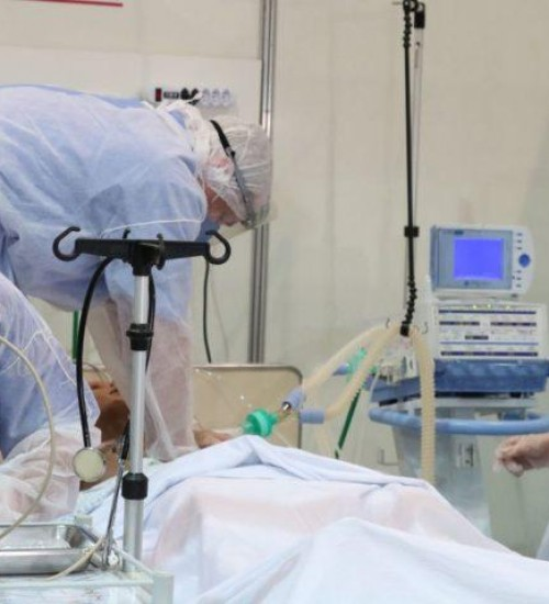 Remédio para artrite diminui risco de morte por Covid-19 em 37%, aponta estudo.