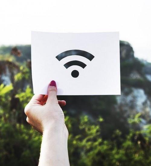 Santa Catarina dá início a projeto para levar internet de fibra ótica ao meio rural.
