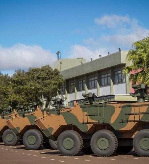 14º RCMec recebe seis viaturas blindadas para combate.