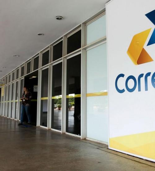 Governo federal decide vender 100% dos Correios.