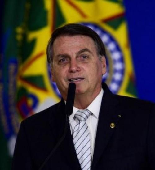 Jair Bolsonaro anuncia a prorrogação do Auxílio Emergencial.