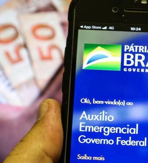 Mais de 2 milhões têm saque do auxílio emergencial liberado nesta sexta-feira.