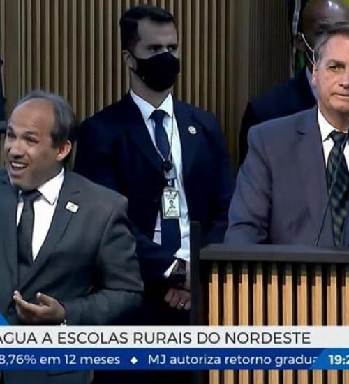 Bolsonaro lança programa que levará água potável a escolas do Nordeste.
