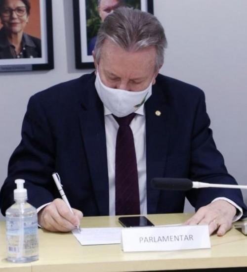 Em Brasília, Maldaner confirma o pagamento de R$ 9 milhões em recursos.
