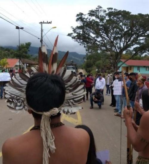 Pelo menos 500 indígenas de SC vão a Brasília para acompanhar julgamento no STF.
