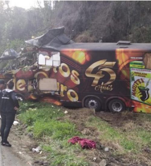 Acidente em SC mata vocalista da banda Garotos de Ouro.