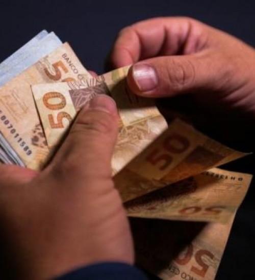 Banco vai pagar R$ 50 mil de multa a cliente que ficou mais de 30 minutos na fila em SC