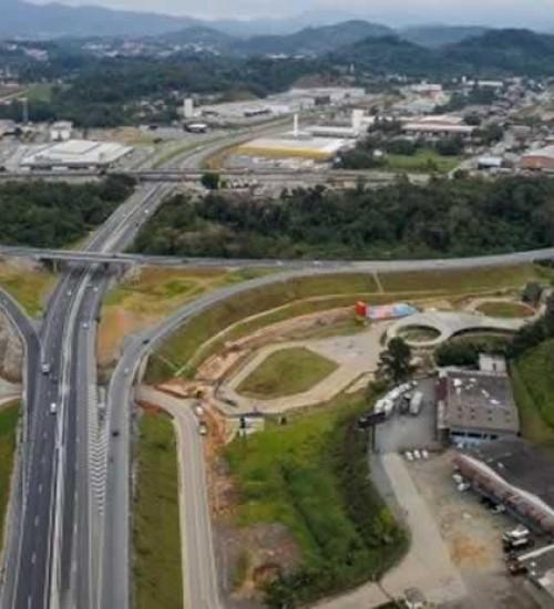 Governador sanciona leis que injetam mais R$ 115 milhões em BRs.