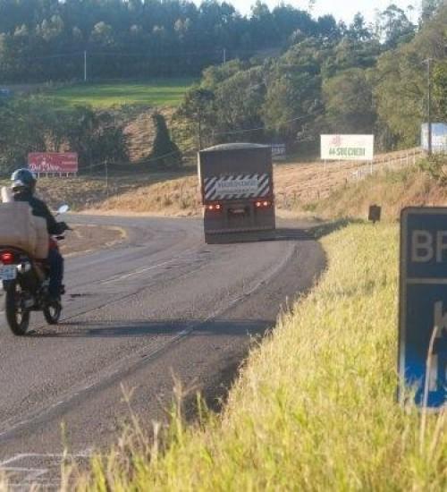 Governo de SC assinará convênio para injetar recursos estaduais em rodovias federais.