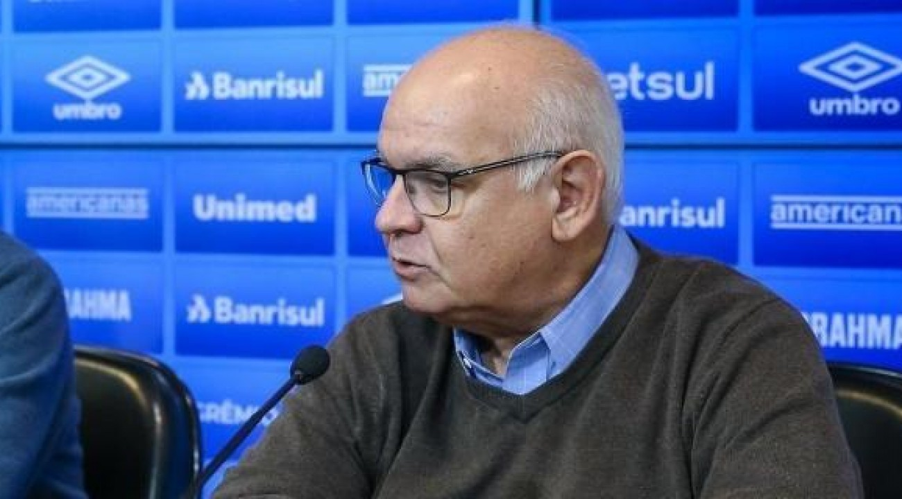 Presidente do Grêmio Romildo Bolzan Jr. comemora queda de liminar: