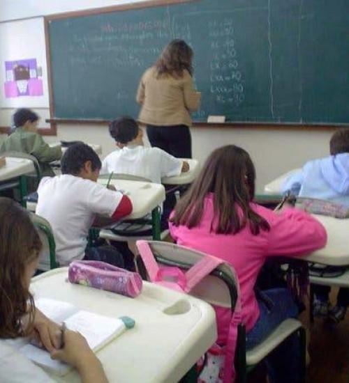 Salário maior para professores em SC estimula procura por licenciaturas.