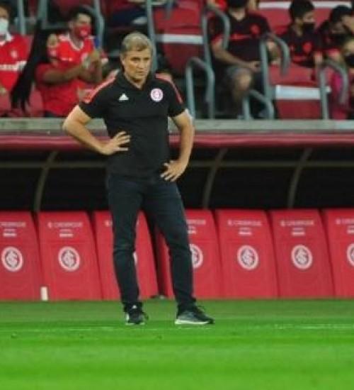 Aguirre exalta atitude do Inter diante da torcida e não confia em má fase do Palmeiras.
