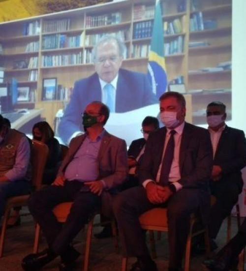 Apelo por investimentos em rodovias marca evento dos mil dias do governo Bolsonaro em SC.