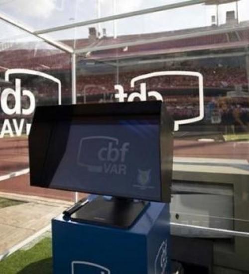 CBF vai liberar áudios do VAR em partidas da Série A do Brasileirão.