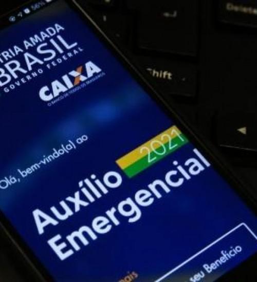 Com novo benefício de R$ 400, governo Bolsonaro descarta prorrogação do auxílio emergencial.