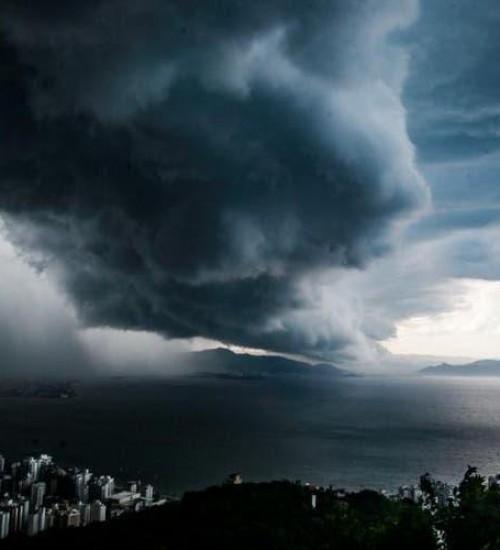 Defesa Civil alerta para chegada de mais chuvas e temporais em SC.