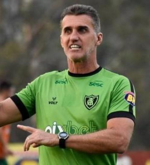 Grêmio chega a acerto com Vagner Mancini e aguarda treinador na sexta-feira.