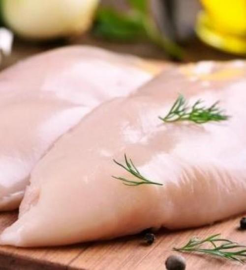 Preço do frango sobe quatro vezes mais que a inflação em 2021.